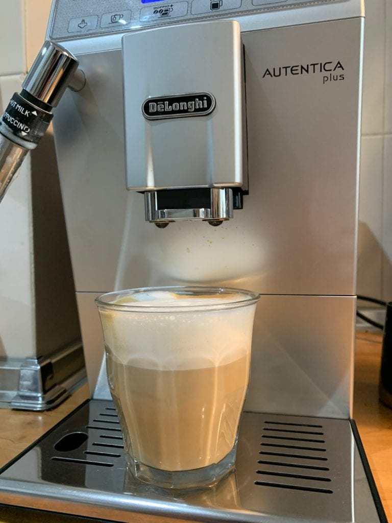 De'Longhi Autentica Plus ETAM 29.620.SB: cafe con leche